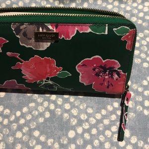EUC Kate spade wallet